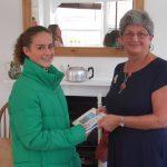 Chair SCV presents photo comp prize
